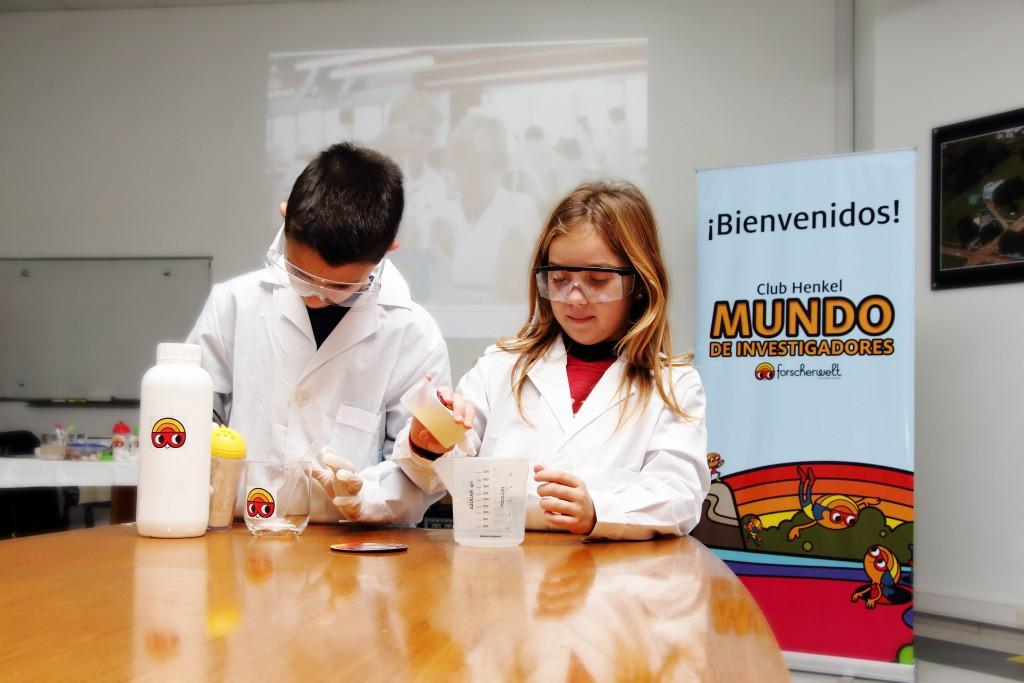 Hijos de los colaboradores de Henkel Argentina participaron en el lanzamiento de Forscherwelt en el país